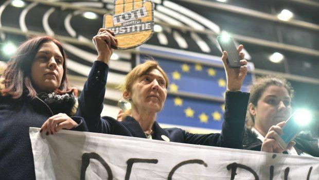 """MOTTO: Die Welt (2006) : """"…pentru România, aderarea la Uniunea Europeană aproape că nu ar fi fost posibilă fără […]"""