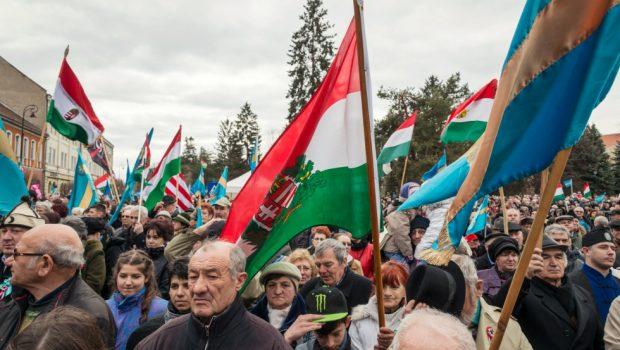 """Atenţie, români! Duşmanii Centenarului Marii Uniri nu dorm!      TRANSILVANIA ÎN """"COLIMATOR""""! (XXII)    […]"""