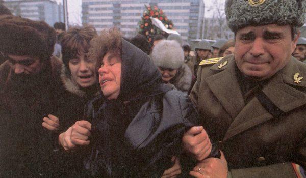 """Pervers a mai fost sloganul """"Vom muri şi vom fi liberi!"""", strigat cu patos acum 29 de ani. Tânăr […]"""