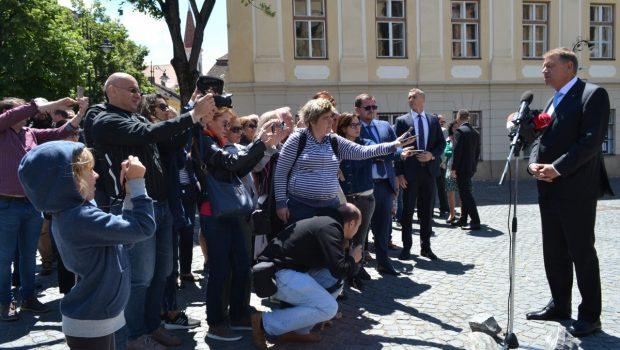 """Proiectul lui Iohannis trebuia să fie """"România meditată"""" Dacă ar fi vrut cu tot dinadinsul să ne enerveze […]"""