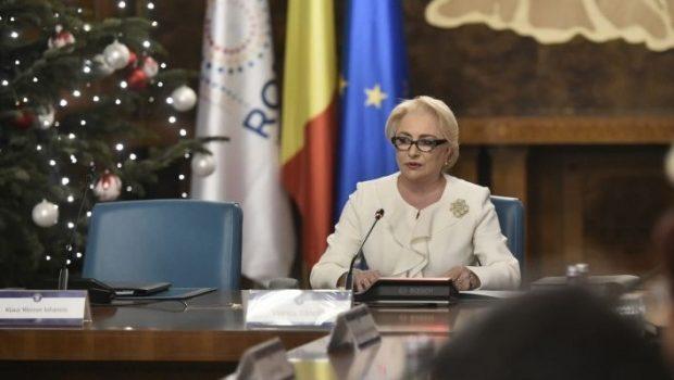 Un scaun pentru liniștea dumneavoastră Când doamna Tatiana Niculescu şi, mai ales, Bran, a plecat […]