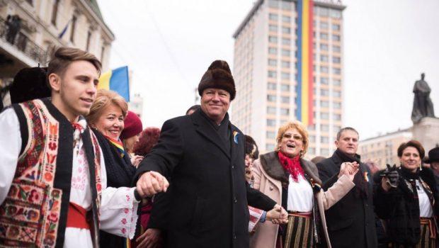 Credincios iluziei că politicienii lumii româneşti, prin care trec, vor intra în Istorie prin vorbele şi faptele lor, am […]
