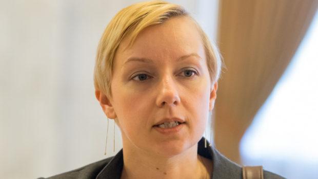 """Dana Gîrbovan: """"Adevărul este valoarea supremă a justiției"""" Fake news despre justitie #1 – """"noutatea"""" conditiei """"bunei reputatii"""" introdusa prin […]"""