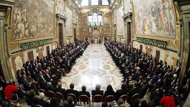 Ni-s cimitirele pline de eroi şi bisericile pline de sfinţi – ucişi din dispoziţiile instituţiei papale. Nu e familie […]