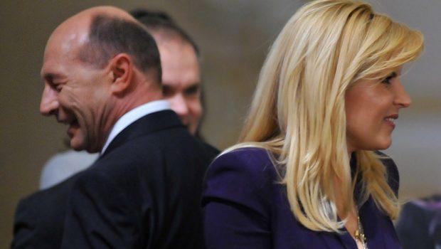 """""""Mare"""" bărbat ești, Traian Băsescu, """"mare"""" de tot!Ai ajuns să te ascunzi după fustele femeilor. Ai pus-o pe fosta […]"""