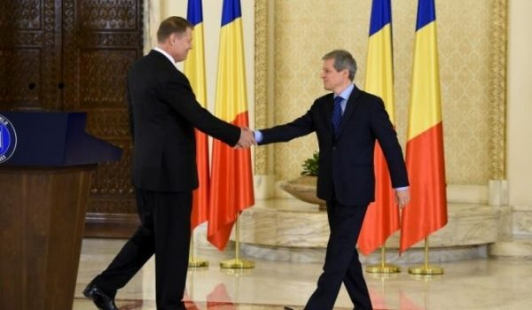 Sunt gata să pun pariu pe un butoi de bere că scandalul dintre amărîtul de Cioloș și adormitul de […]