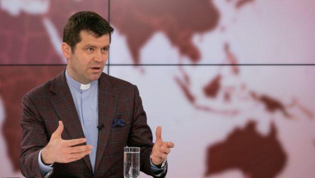 """""""Purtătorul de cuvânt al Arhiepiscopiei Romano-Catolice Romano-Catolice, Francisc Doboş, a scris pe Facebook că are un proces astăzi, că […]"""