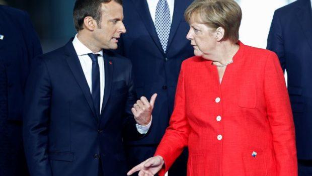 "Războiul e Macron vs. Merkel, nu Cioloș vs. Iohannis. Fermele de ""boți"", Barna și Rareș Bogdan sînt doar recuzita […]"