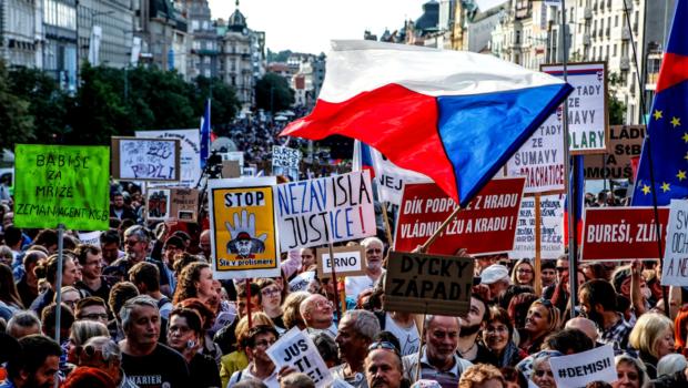 """Proteste în Cehia: același spectacol, aceleași marote, aceeași inconsistență """"Șefii de stat și de guvern vor decide cât […]"""