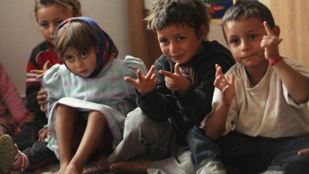 """În anul 2006, ziarul Financial Times numea România """"Guantanamo pentru copii"""", titrând astfel niște aberații cu maltratarea copiilor și […]"""