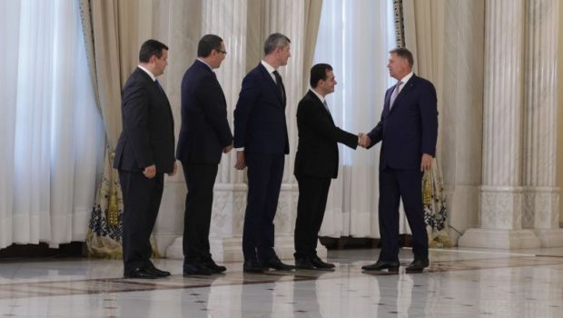 Ce-mi mai place mie unitatea în diversitate, un concept reconfortant pregătit să facă în România un melanj politico-ideologic delicios […]
