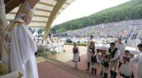 Pentru presa din Ungaria, vizita papei Francisc a fost catalogată ca un eveniment istoric. Nu pentru că papa a […]