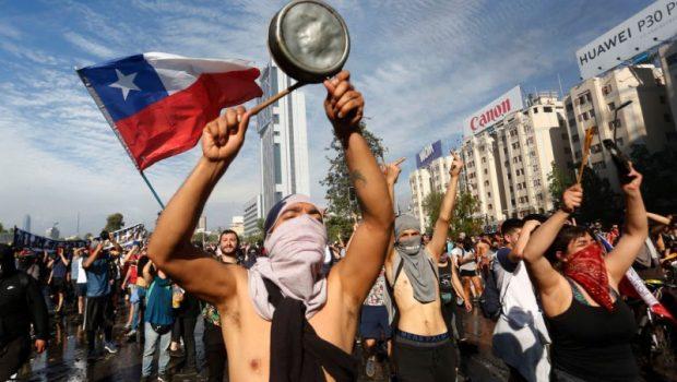 În anul 1970, în fruntea Republicii Chile ajunge preşedinte Salvador Allende. Era o perioadă romantică pentru republica sud-americană căreia […]