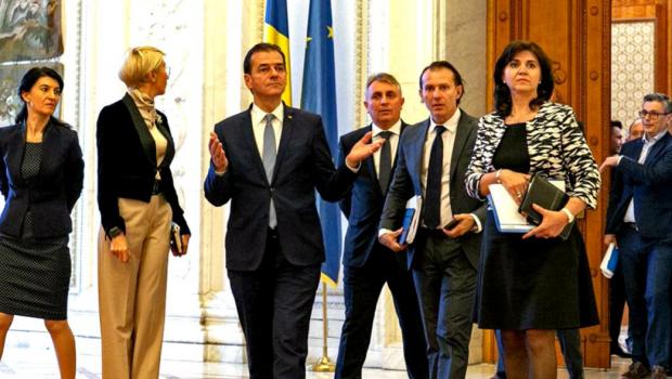 Ludovic Orban a muncit în lumea reală maximum doi ani după 1990 și doi ani înainte de 1990. Din […]