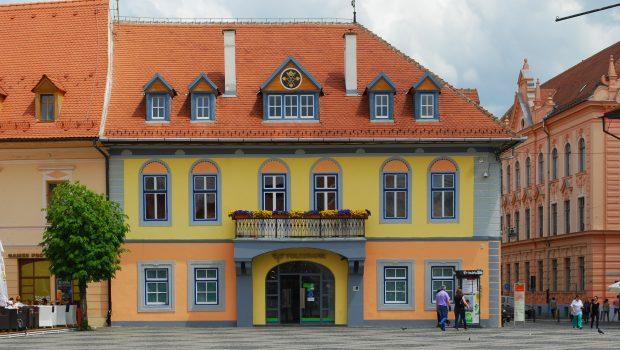 Tun imobiliar la Sibiu. Cum a fost retrocedat sediul FDGR în anii 90. Președinte al Forumului era un fost […]