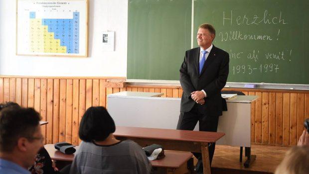"""La ora la care vorbim, Colegiul Național """"Samuel von Brukenthal"""" din Sibiu are 3 profesori de fizică. Niciunul dintre […]"""