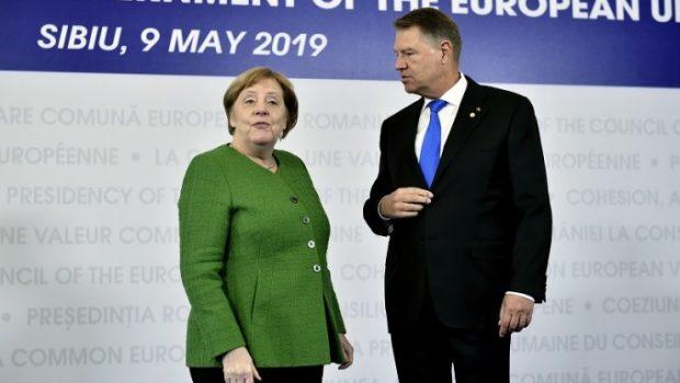 """Lobby etnic german în Europa de est Traducereaarticolului""""Cohesive Force for Europe"""" (""""Forţă de coeziune […]"""
