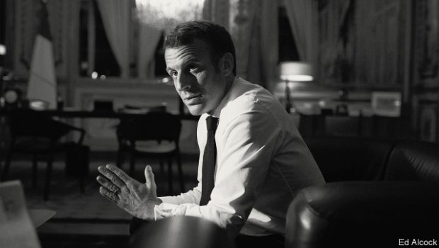 Într-un interviu dat unui ziar britanic, Macron a recunoscut că NATO se va prăbuși și naționalismele iliberale vor exploda […]