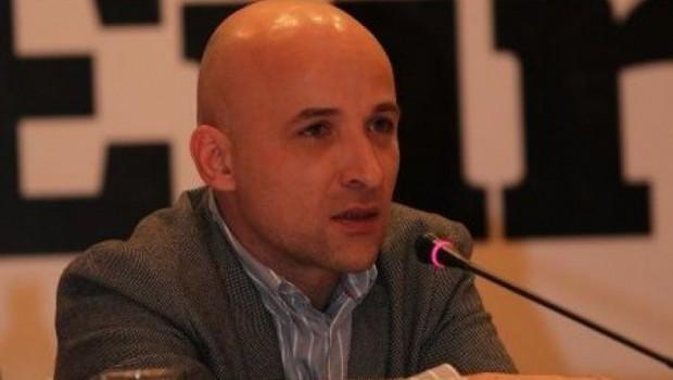 Directorul Newsweek, Sabin Orcan, şi-a falsificat biografia în legătură cu studiile Pe numele său adevărat Sabin Borcan, cel […]