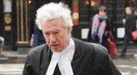 Fostul judecător al Curții Supreme de Justiție, lordul Jonathan Sumption, a criticat reacția polițienească în fața coronavirusului, susținând că […]