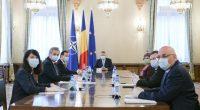 """Preşedintele României, Klaus Iohannis, a făcut apel la """"producătorii româneşti"""" (sic!), la antreprenorii români să folosească oportunitatea (sic!) pe […]"""