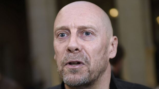 cel mai cunoscut dizident francez arestat în plină stradă