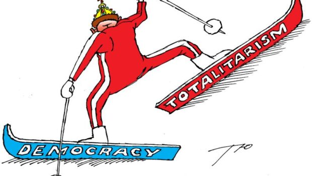 Nu doar eu cred că Statele Unite alunecă într-un totalitarism dirijat de curentul revoluționaro-justițiarist. Profesorul universitar Andrew Michta, într-un […]
