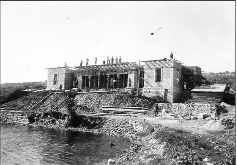 Această imagine are atributul alt gol; numele fișierului este Casa-Iorga-Albania1.jpg