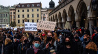 Enebunie cu interzicerea avortului în Polonia. Au ieșit desanturile de stânga cu toată forța, bazându-se și pe nemulțumirea populației […]