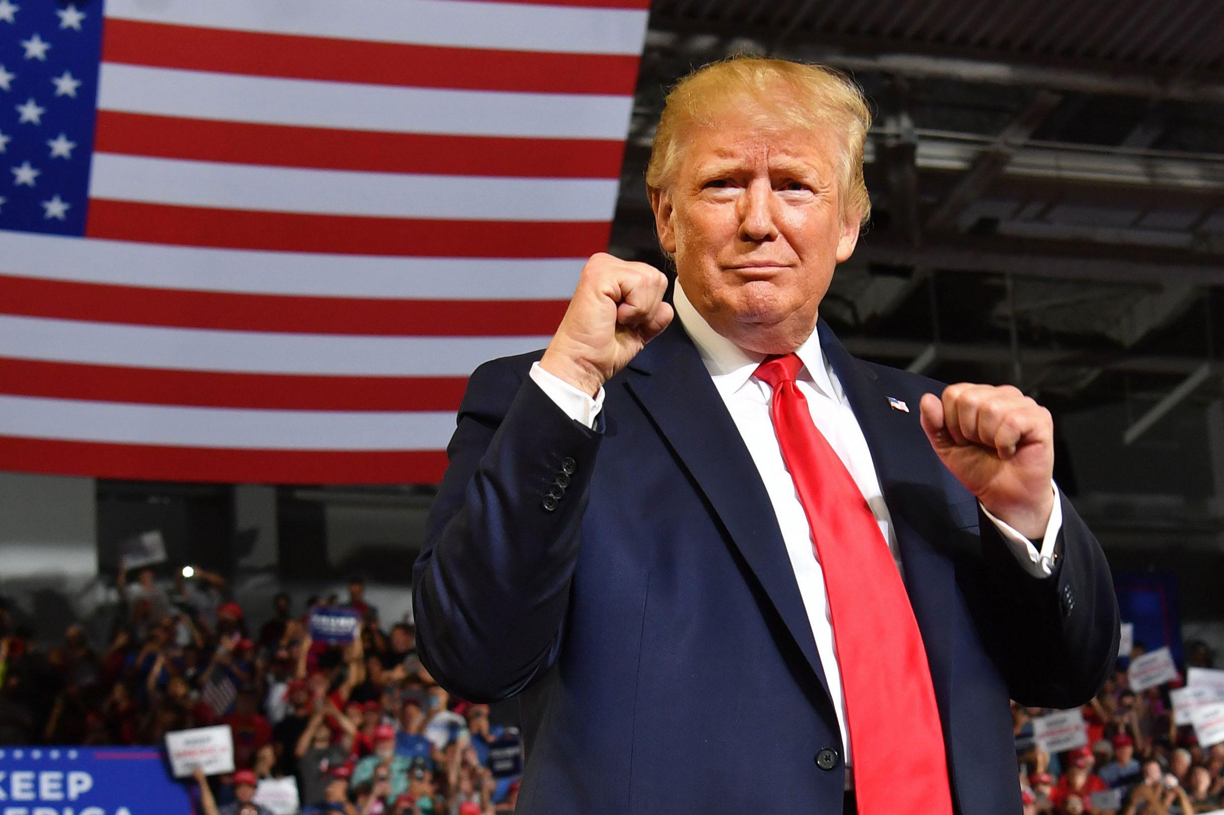 Pentru prima oară, în scurta dar fulminanta sa carieră politică, Donald Trump evocă posibilitatea de a pierde alegerile. Donald […]